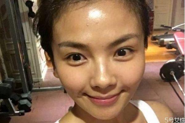 怎么预防脸部毛孔粗大 预防脸部毛孔粗大的方法