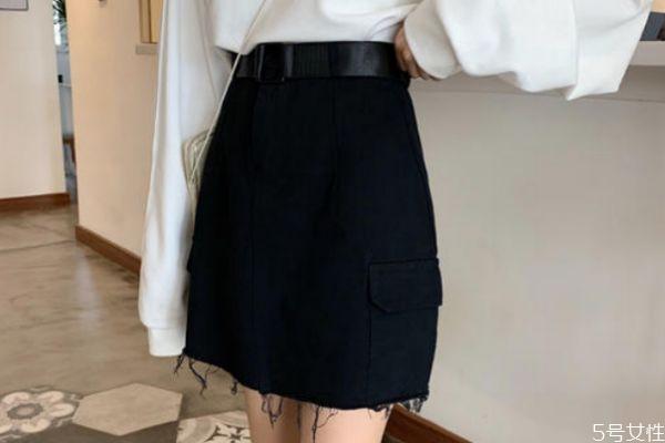 黑色a字裙怎么搭配 黑色a字裙的搭配方法