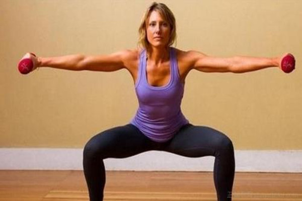 女性蹲马步的好处 蹲马步会伤膝盖吗