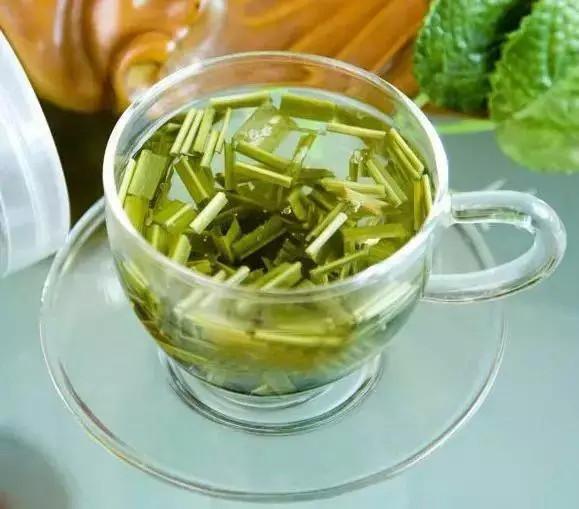 长期适量喝柠檬草茶的好处 柠檬草茶女性喝好吗