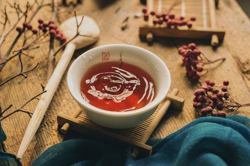 女性夏季喝什么茶好 女性夏季适合喝什么茶