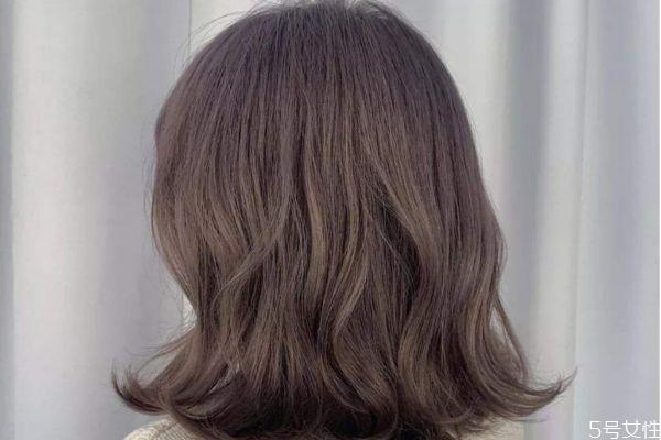 蜜茶棕色适合直发还是卷发 蜜茶棕色适合什么年龄