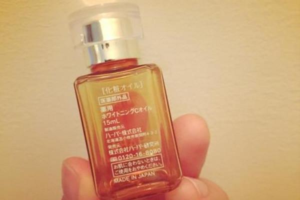 haba鲨烷油的成分 haba鲨烷油能与底妆一起用吗