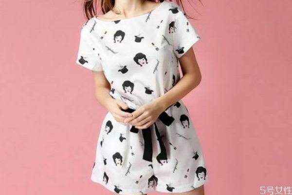 女生夏季穿衣搭配的方法 女生怎么搭配夏季服装