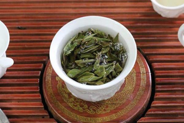 白牡丹茶有什么保健作用 白牡丹茶和贡眉哪个好