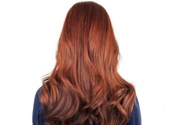染了酒红色多久会褪色 什么人不适合染红色头发