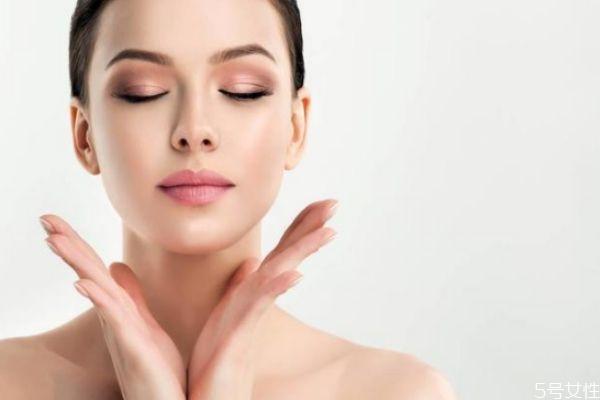 妆容容易花怎么办 容易花妆是什么原因