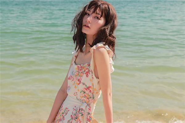 海边度假梳什么发型好看 适合海边度假的发型