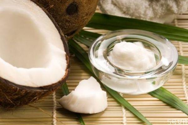 椰子油可以接触头皮吗 椰子油护发是干发抹还是湿发