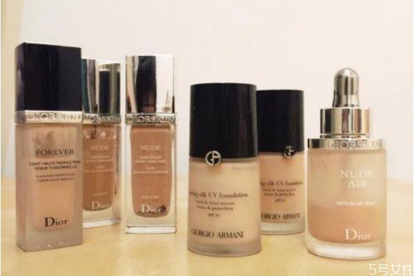 油性皮肤怎么选择粉底液 油性皮肤选择粉底液的方法