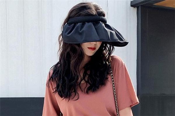 贝壳帽配什么发型好看 贝壳帽适合什么发型