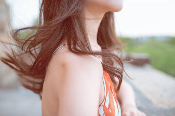 染发后适合用什么洗发水 染发后头发干枯怎么办