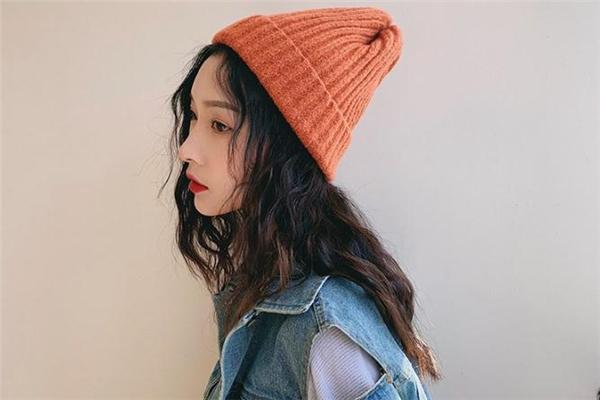 针织帽配什么发型好看 戴针织帽适合什么发型