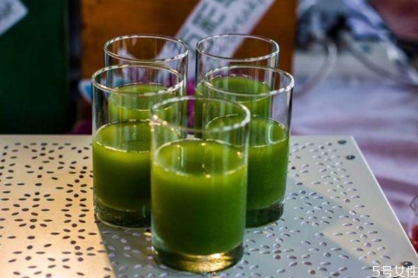 喝青瓜汁有什么作用 喝青瓜汁的好处有什么