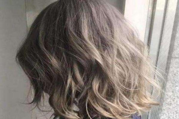 漂染掉色后是什么颜色 头发漂了多久能恢复好
