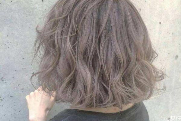 分叉的头发一定要剪吗 分叉的头发不剪会怎样
