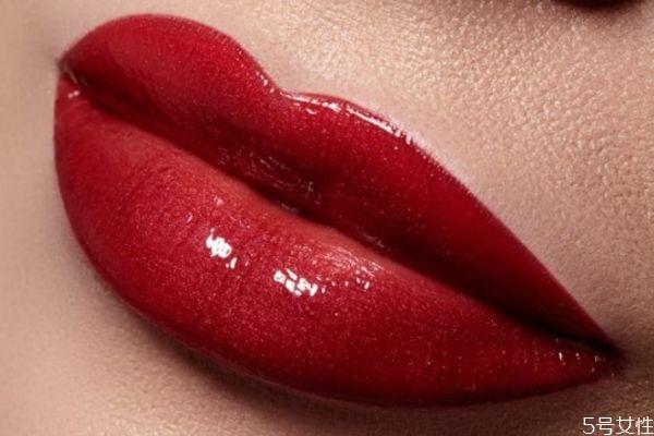 口红哑光和丝绒的区别有什么 口红哑光和亮光的区别