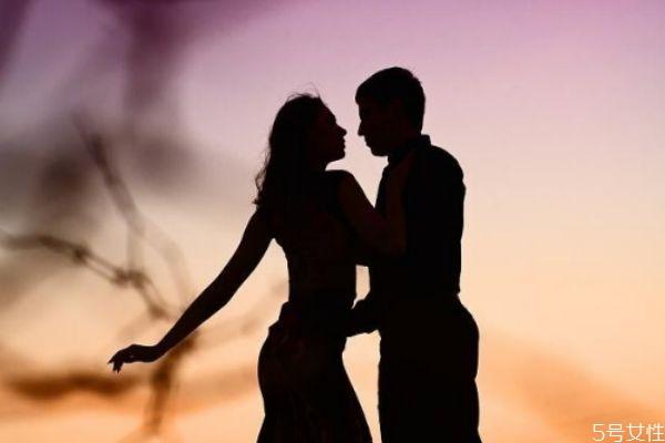 怎么结束夫妻冷战分居 夫妻吵架冷战多久离婚