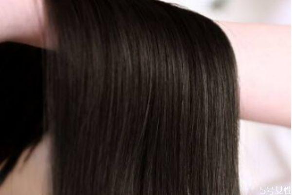 棕黑色头发掉色是什么颜色 棕黑色头发明显吗