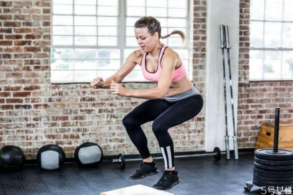 开合跳每天多少个减肥 减肥每天要做多少个开合跳