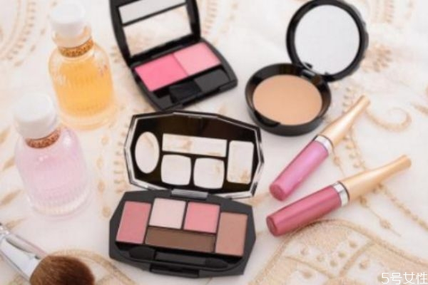 女生化妆到底有多重要 女生化妆什么最重要