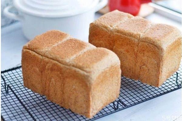 什么是全麦面包 全麦面包的特点功效
