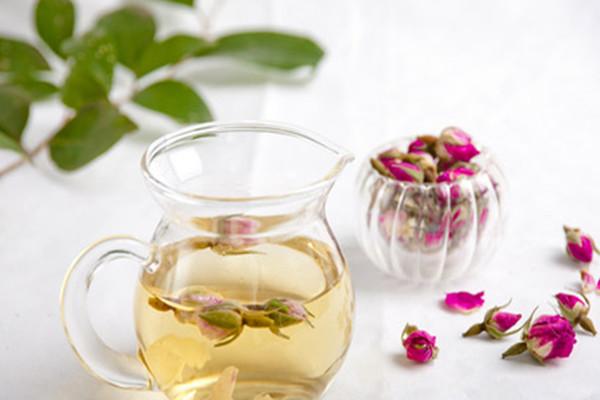 晚上喝玫瑰蜂蜜茶会胖吗 玫瑰蜂蜜茶的热量