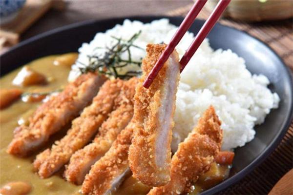 咖喱猪排饭怎么做 咖喱猪排饭用什么咖喱