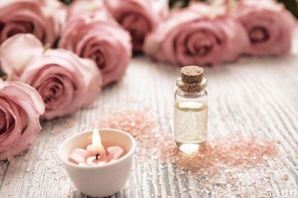 玫瑰精油的作用有什么 什么是玫瑰精油的作用