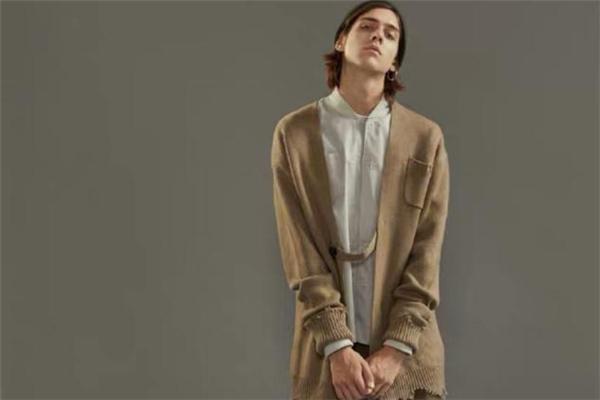 日系针织开衫怎么搭配 日系针织开衫搭配图片