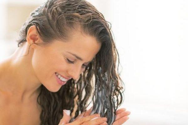 用护发素掉头发怎么回事 为什么一用护发素就掉头发多