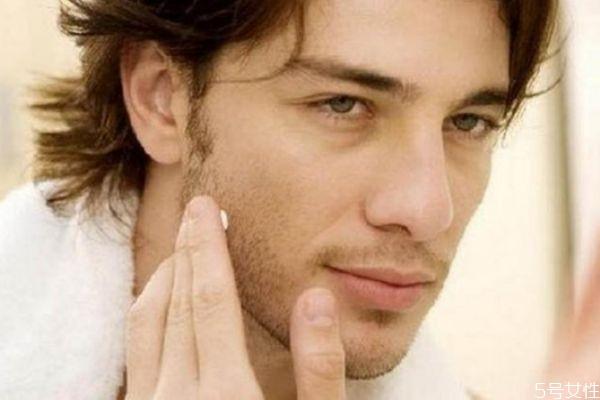 男生皮肤粗糙毛孔大怎么改善 男生改善脸部皮肤粗糙