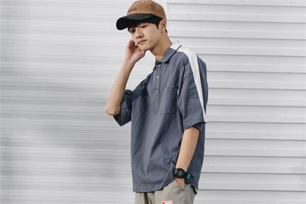 男生穿什么polo衫好看 男生polo衫什么款式好看