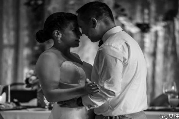 婚姻没了信任要离婚吗 怎样修复夫妻信任关系