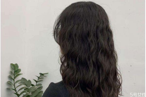 水波纹烫发怎么打理 水波纹烫发打理方法
