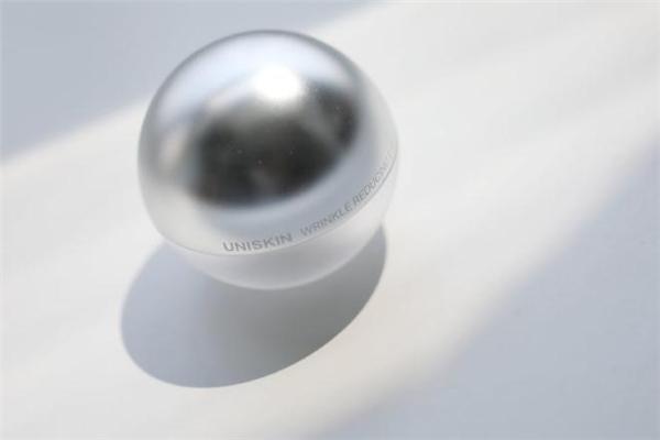 uniskin优时颜眼霜适合什么年龄 优时颜眼霜会长脂肪粒吗