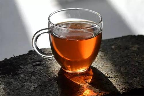 晚上能喝安化黑茶吗 晚上喝安化黑茶会失眠吗