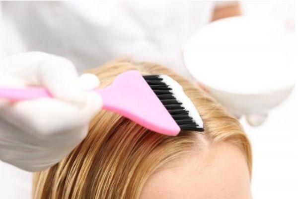 怎么让染后头发快速脱色 让染过的头发快速掉色方法