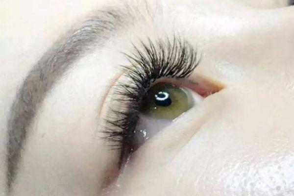 嫁接睫毛后如何画眼妆 嫁接睫毛后怎么卸妆