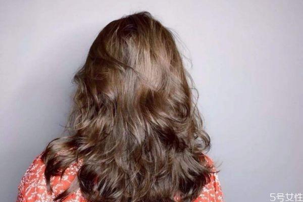 头发烫坏了怎么补救 烫发很伤头发