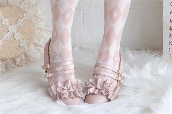 洛丽塔的鞋子叫什么 洛丽塔的鞋子怎么穿