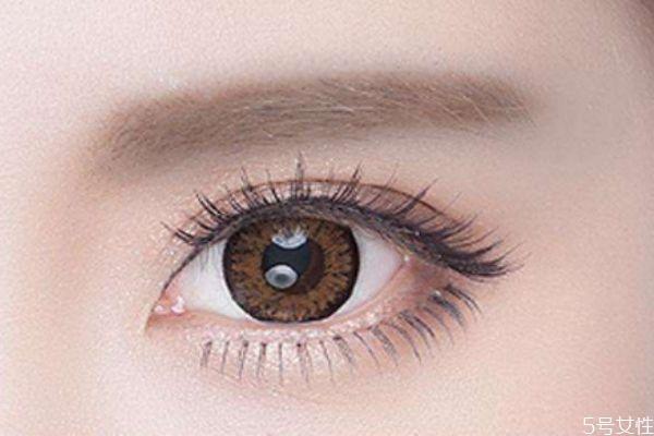 如何贴假睫毛才更好看 眼型决定你适合哪种假睫毛