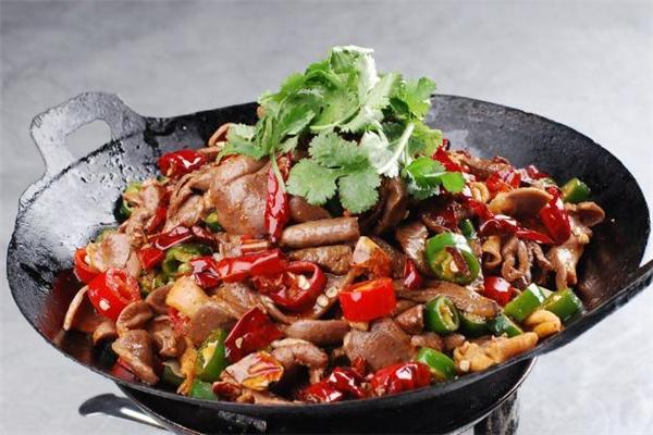 干锅鸡杂的做法 干锅鸡杂用什么配菜比较好