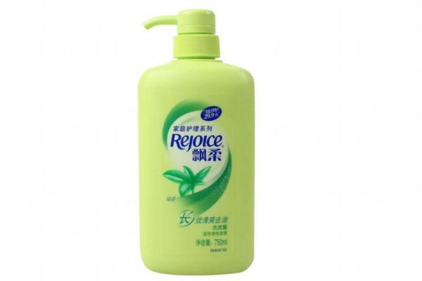 洗发乳液是洗发水还是护发素 选择洗发水的注意事项