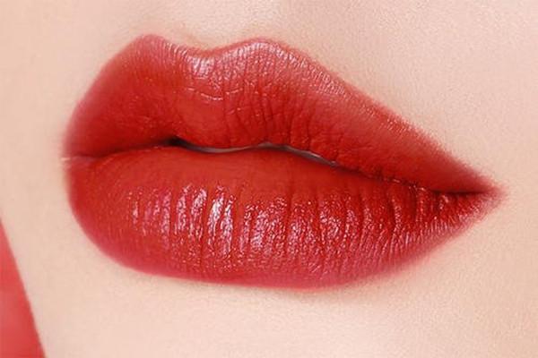 夏季适合什么色系的口红 适合夏季涂的色系推荐