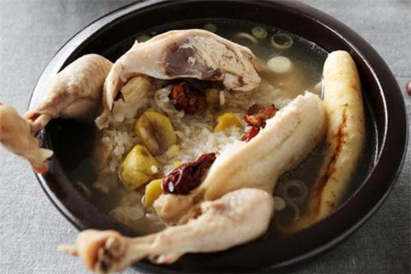 童子鸡是几个月的鸡 童子鸡可以煲汤吗