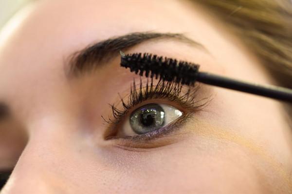 睫毛短涂睫毛膏的方法 睫毛短涂睫毛膏指南