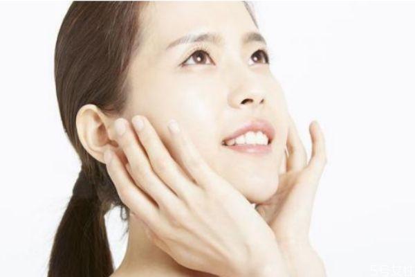 爽肤水和肌底液哪个先用 爽肤水的保质期有多久