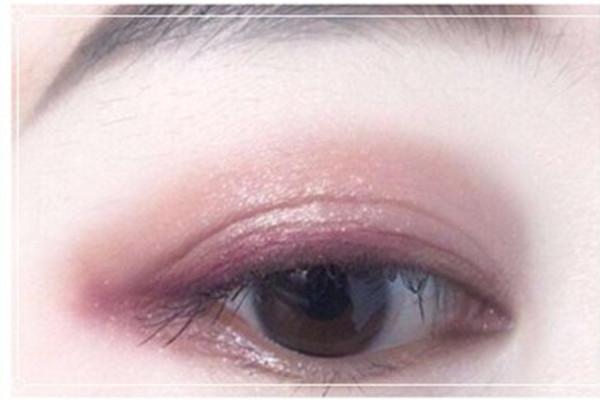 肿泡眼能画橘色眼影吗图片