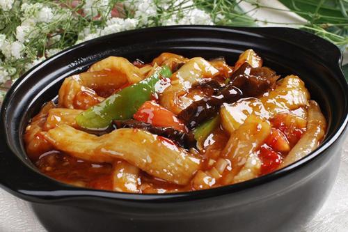 鱼香茄子煲的做法 鱼香茄子煲怎么做好吃